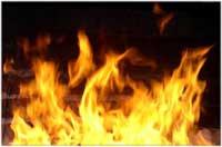 Девятиквартирный деревянный дом уничтожен огнем в поселке Бытошь Дятьковского района.